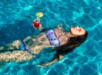 מסיבת רווקות בבריכה